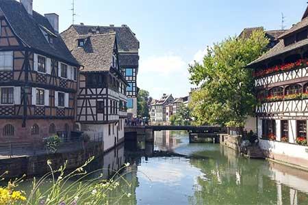 free-roundtrip-airfare-Strasbourg