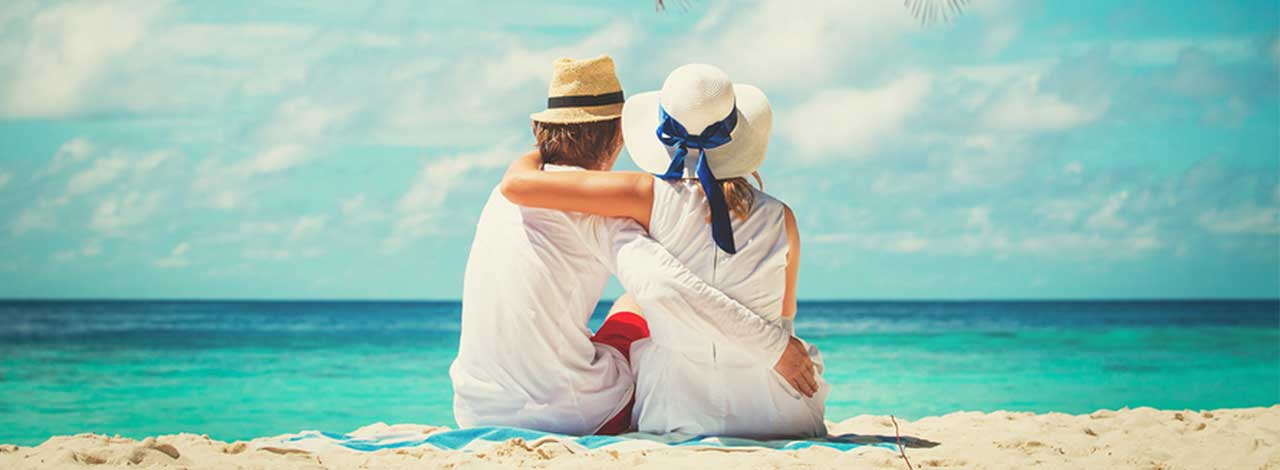 Set-Sail-Cruise-Sale-Beach-Couple