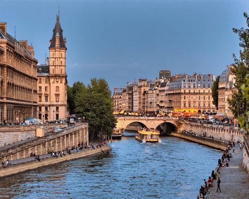 River-cruise-savings-Avignon