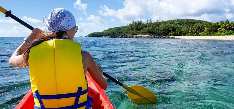 South-Seas-Cruises--Kayaking